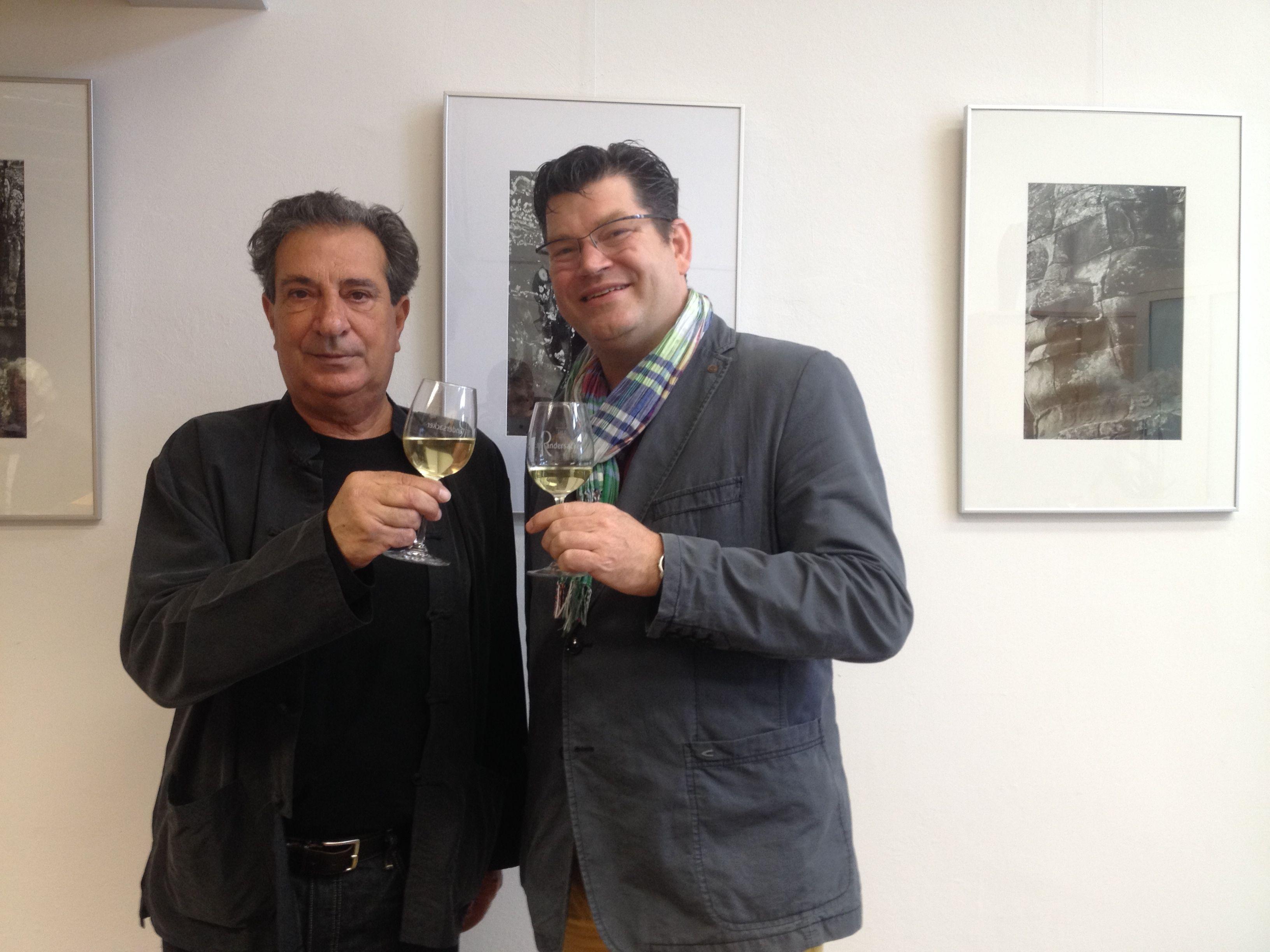 Enric Boixadós 'La fièvre jaune' - Ausstellung bis Ende 2014 bei HENNEBERGER und Partner - Steuerberater
