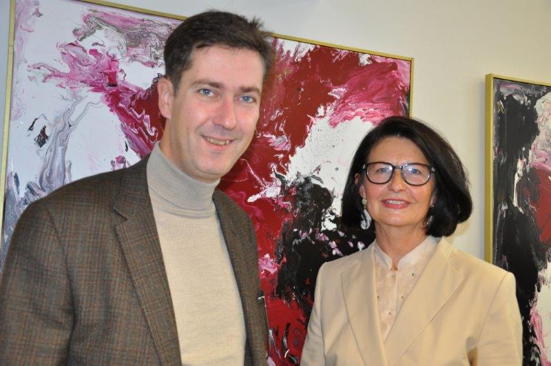 Edith Kunz: Malerei - Ausstellung von September bis Dezember 2013 bei HENNEBERGER und Partner - Steuerberater